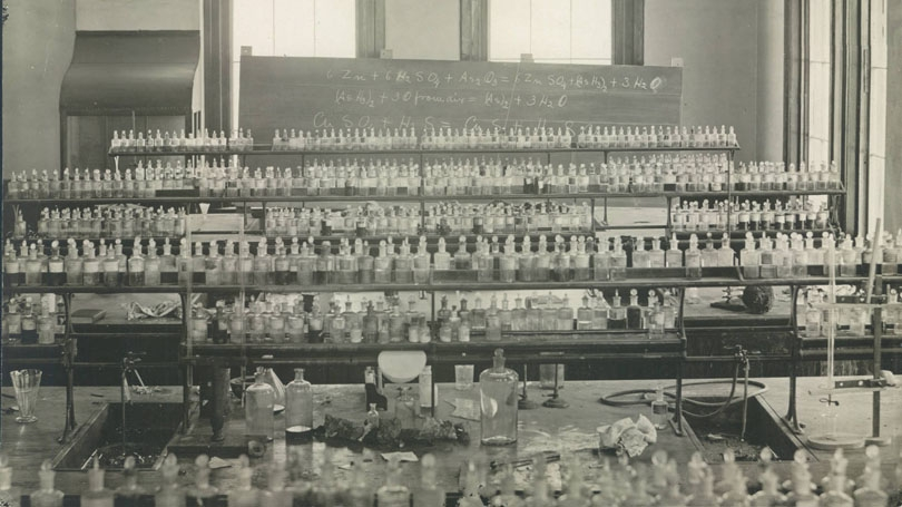 Dartmouth Chemistry Lab 1885